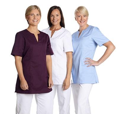 82248dcc91fc Mitt Plaggs tunika är ett skönt och bekvämt arbetsplagg i kvinnligt snitt.  Tunikan har kort ärm och stilren v-ringning. Tunikan passar dig som bland  annat ...